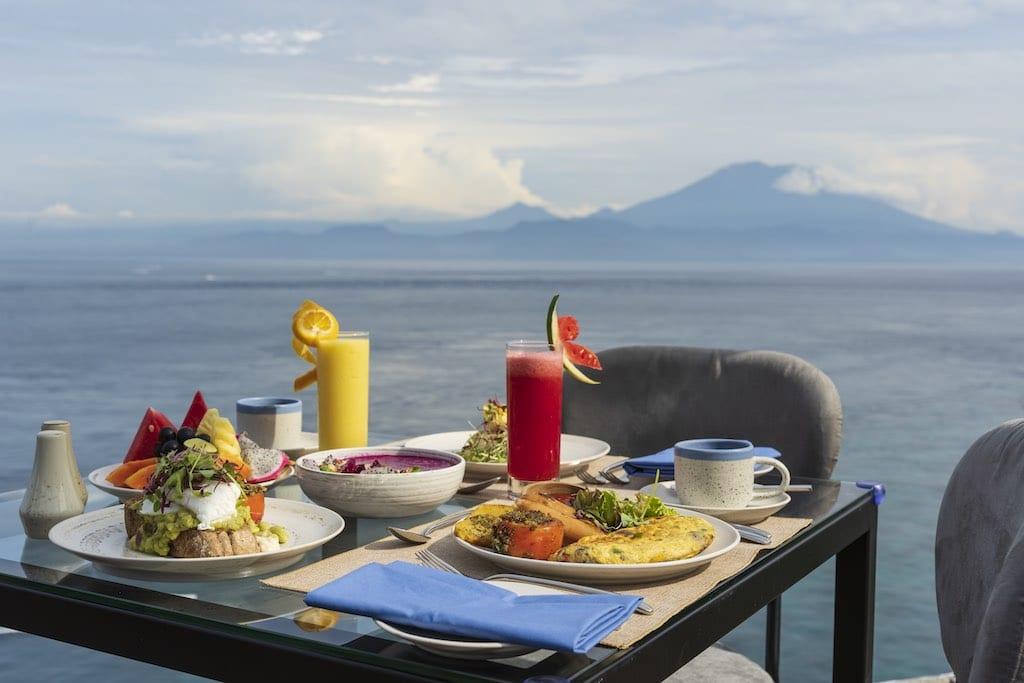 Adiwana Warnakali PADI 5 star dive resort Nusa Penida Bali restaurant