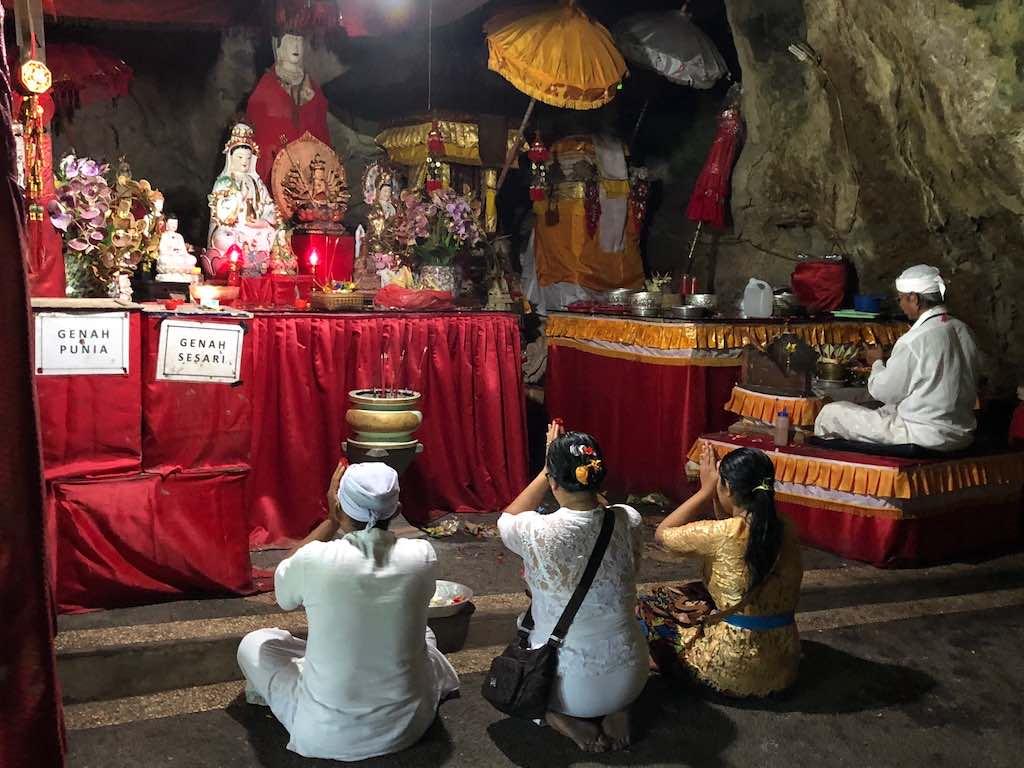 Goa Giri Putri temple ceremony Nusa Penida