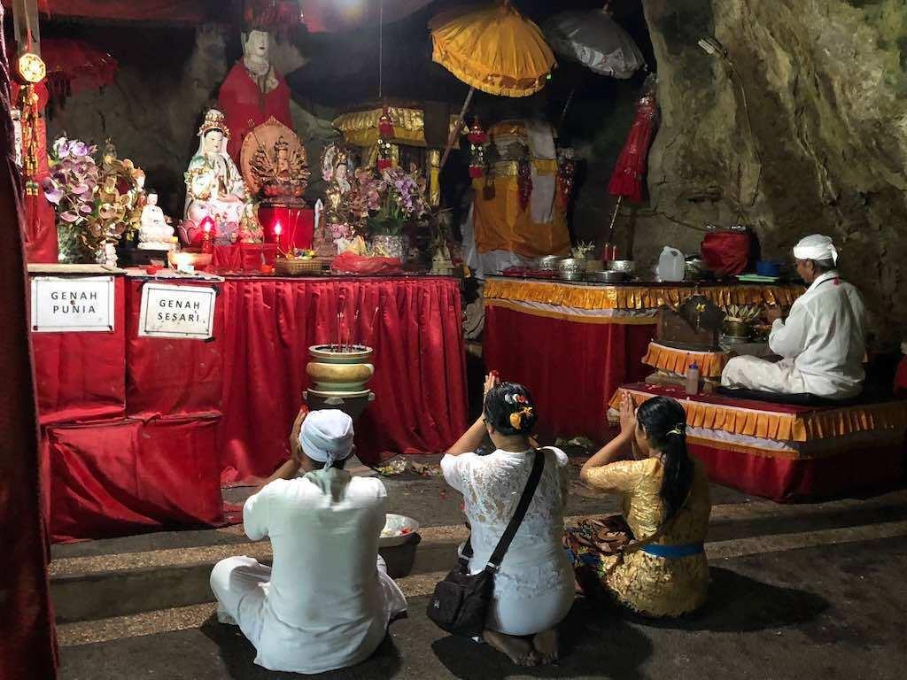 Pura Goa Giri Putri temple Nusa penida Bali