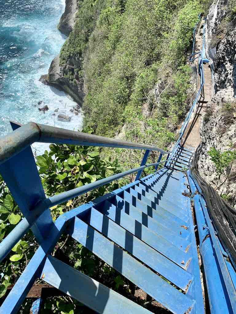 Peguyangan Guyangan Waterfall Nusa Penida Bali Blue staircase