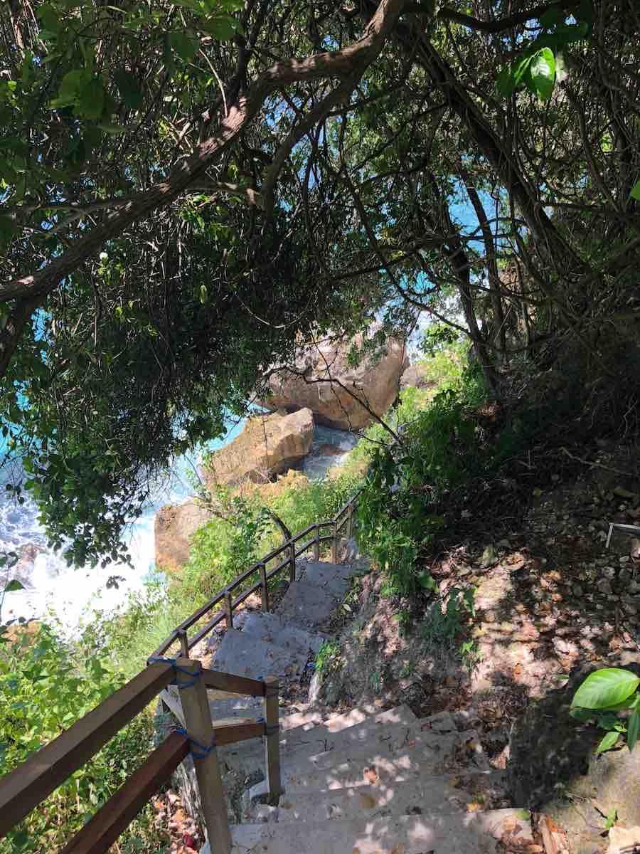 Suwehan Beach Nusa Penida stairs