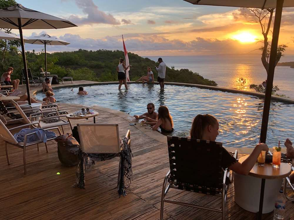 Amok sunset bar and restaurant Nusa Penida