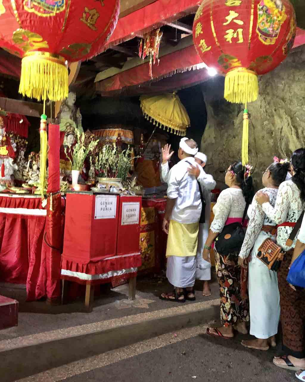 Pura Goa Giri Putri Nusa Penida Bali Indonesia