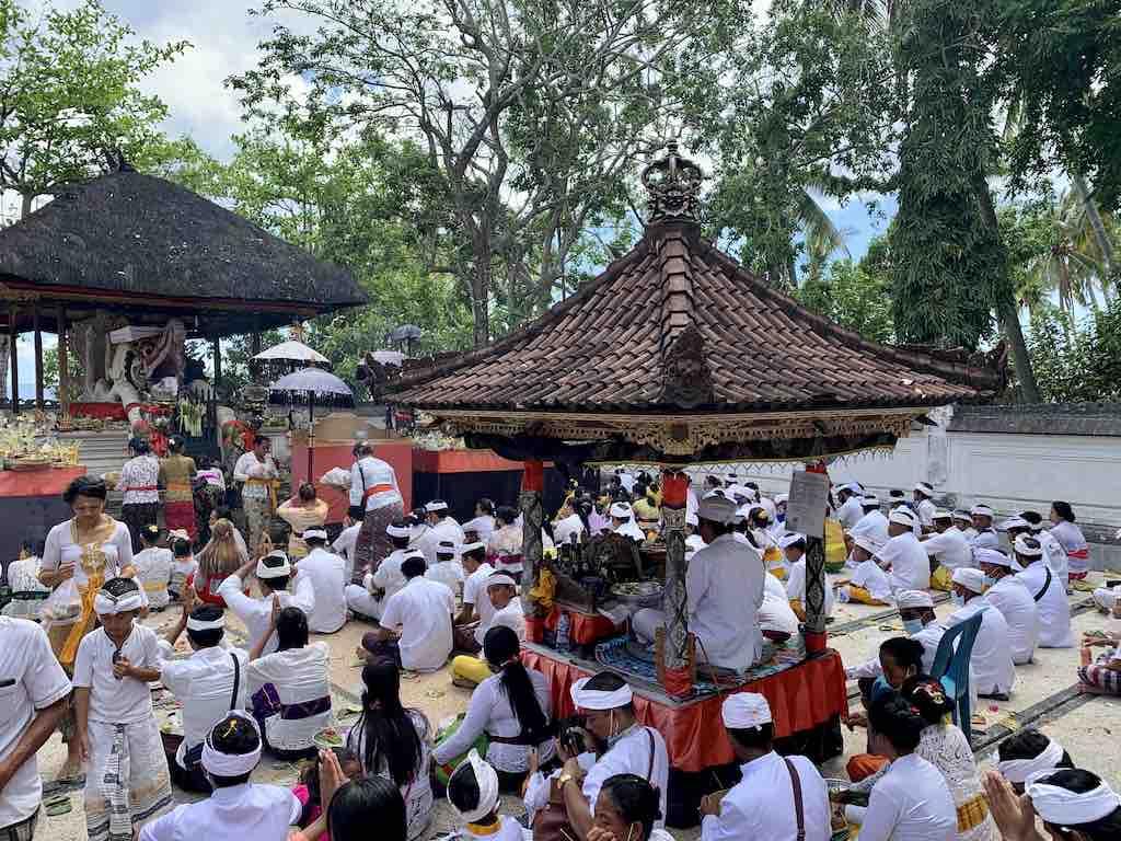 Bali celebrations ceremonies events Nusa Penida Kuningan