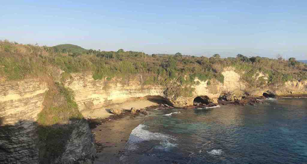 Crystal Bay to Broken Beach hike Nusa Penida Bali