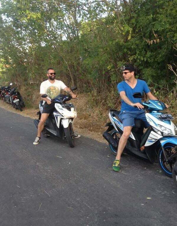 get around Nusa Penida Bali in scooter